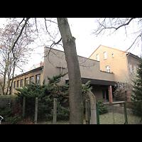 Berlin - Treptow, St. Johannes Evangelist Johannisthal, Außenansicht der Kirche