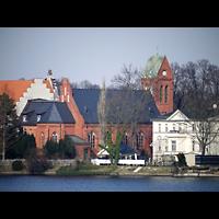 Berlin - Köpenick, St. Josef, Außenansicht von der Spree aus