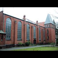 Berlin - Prenzlauer Berg, St. Josefsheim (Caritas Seniorenheim), Kirche, Außenansicht