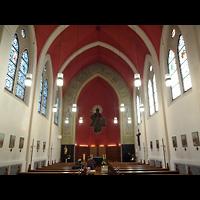 Berlin - Weißensee, St. Joseph-Krankenhaus, Kapelle (Alexianer), Innenraum in Richtung Altar