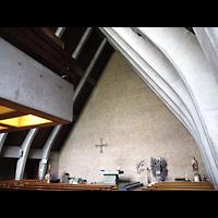 Berlin - Neukölln, St. Joseph Rudow, Innenraum in Richtung Altar