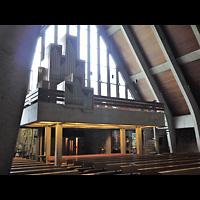 Berlin - Neukölln, St. Joseph Rudow, Innenraum in Richtung Orgel
