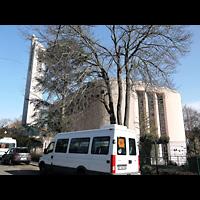 Berlin - Tempelhof, St. Judas-Thaddäus, Außenansicht, Chorseite