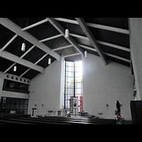 Berlin - Wilmersdorf, St. Karl Borromäus, Innenraum mit alter Orgel (bis 2016)