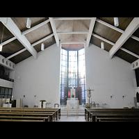 Berlin - Wilmersdorf, St. Karl Borromäus, Innenraum in Richtung Altar