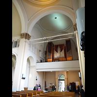Berlin - Mitte, St. Michael, Innenraum in Richtung Orgel