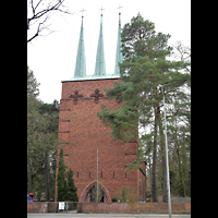 Berlin - Zehlendorf, St. Michael Wannsee, Außenansicht der Kirche, Fassade