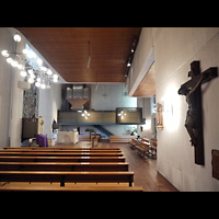 Berlin - Neukölln, St. Richard, Innenraum in Richtung Orgel