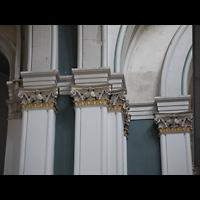 Berlin (Kreuzberg), St. Thomas (ev.) - Hauptorgel, Kapitelle an den Säulen