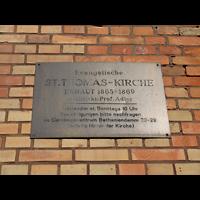 Berlin (Kreuzberg), St. Thomas (ev.) - Hauptorgel, Schild an der Kirche