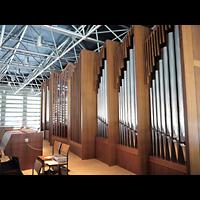 Berlin - Spandau, St. Wilhelm, Orgel seitlich