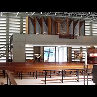 Berlin - Spandau, St. Wilhelm, Innenraum in Richtung Orgel