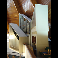 Berlin - Zehlendorf, Stephanus-Kirche, Orgel mit Spieltisch seitlich