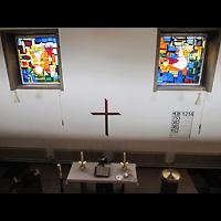 Berlin - Neukölln, Tabeakirche, Blick von der Orgelempore zum Altar